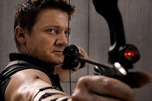 http://partenit-kpo.org/images/miruvle4enii/jeremy-renner-hawkeye-bow-close-up.jpg